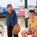 Xem & Đọc - Khán giả phát sốt vì bà nội trong phim của Minh Hằng