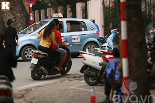 vo chong baggio phong xe khong doi mu bao hiem - 5