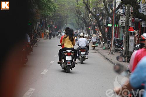 vo chong baggio phong xe khong doi mu bao hiem - 6