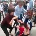 Tin tức - Nhóm nữ sinh đánh đập, lột trần cô gái giữa đường
