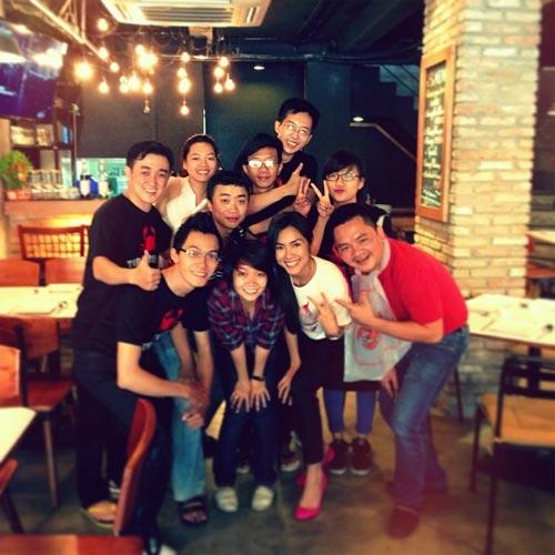 angela phuong trinh khoe sac ben ho guom - 3