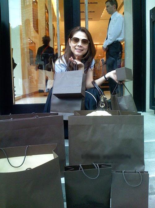 sao viet: moi lan shopping ca nghin do - 5