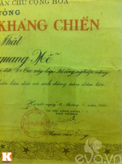 """su that gia the """"ban trai tin don"""" cua diem huong - 4"""