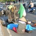 Tin tức - Vợ đau đớn bên thi thể người lái xe ba gác