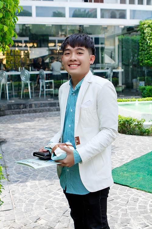 phuong mai khoe lung ong day hap dan - 12