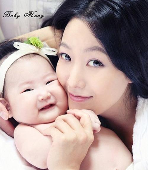 kim hee sun: tu de nhat my nhan den ba me tre - 17