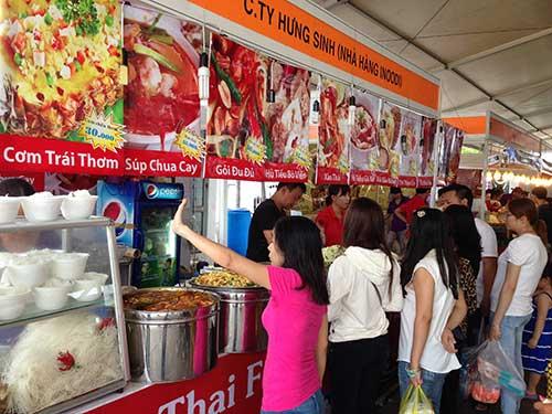 nguoi sai gon vat va mua hang thai lan - 7