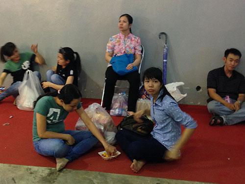 nguoi sai gon vat va mua hang thai lan - 13