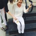 Thời trang - Độc: Quần jeans trắng không bao giờ bẩn!