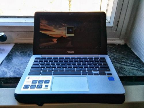 lo dien laptop chromebook c200 cua asus voi chip intel - 1