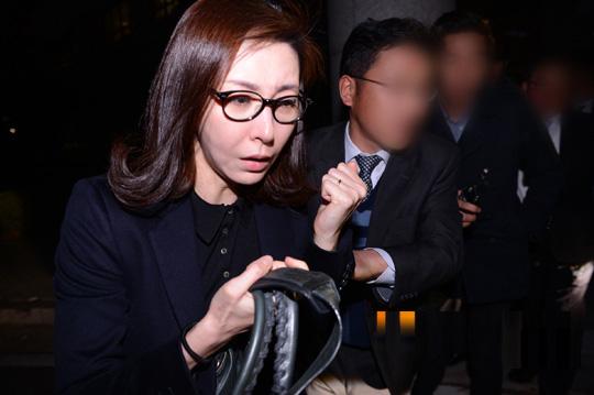 sung hyun ah nghen ngao sau phien xu ban dam - 3