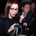 Sung Hyun Ah nghẹn ngào sau phiên xử bán dâm