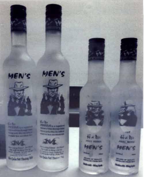 """phat hien hang loat chai men's vodka bi lam """"nhai"""" - 1"""