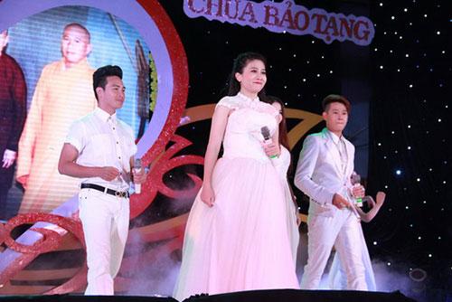 ba me don than mai phuong khoe anh con gai - 2