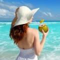 "Làm đẹp - ""Phụ nữ cứ dùng nước dừa là đẹp"""