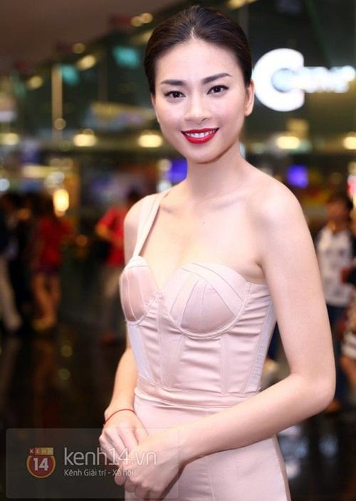 thuy tien goi cam 'het co' cung corset - 16
