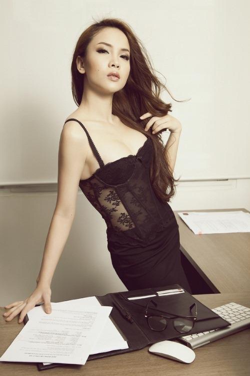 thuy tien goi cam 'het co' cung corset - 20