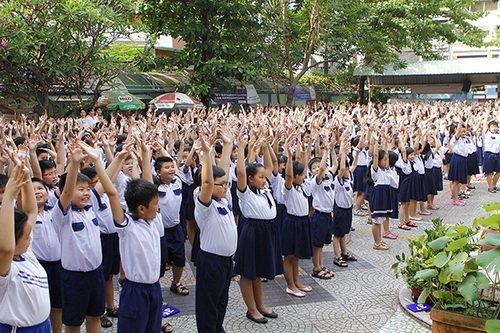 "thuy uyen khoe da ngam ""khong dung hang"" - 6"