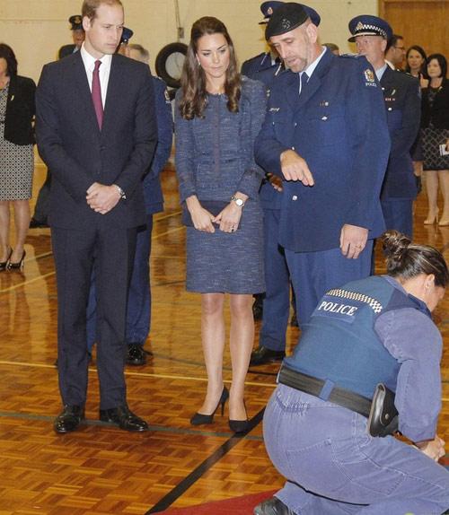 Hoàng tử bé nước Anh xuất ngoại đi Úc-6