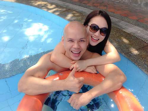 Phan Đinh Tùng ngọt ngào bên vợ trẻ-2