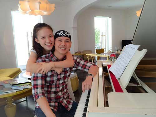 Phan Đinh Tùng ngọt ngào bên vợ trẻ-4
