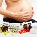 Bà bầu - Tránh xa 10 loại thuốc 'đầu độc' thai nhi