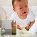 Làm mẹ - Cẩn thận cho con uống sữa kèm nước có ga