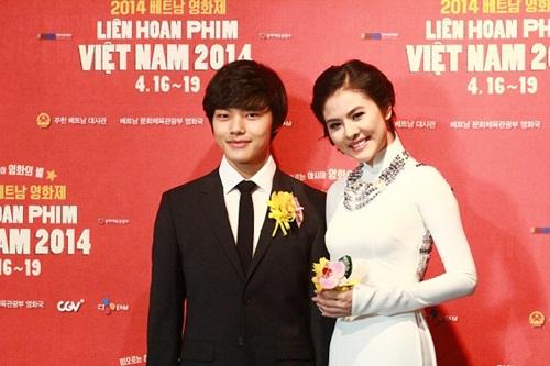 Vân Trang tươi tắn sánh vai Yeo Jin Goo-4