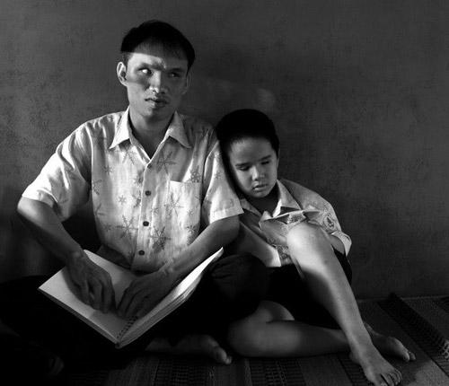 Những bức ảnh xúc động về học sinh khiếm thị-5