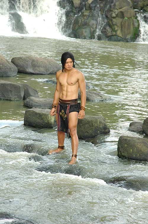 hotboy thach sanh khoe body 6 mui ben duong cam lynh - 9