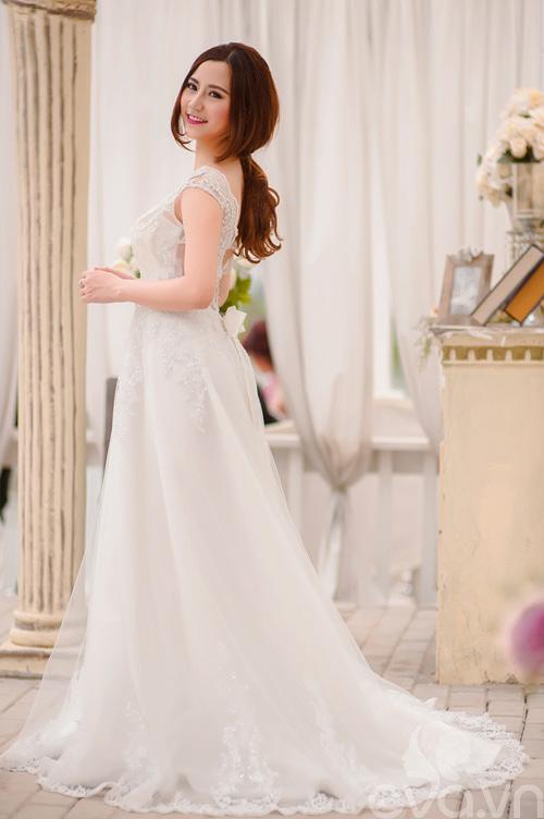 Chọn váy 'chuẩn' cho cô dâu nấm lùn - 2