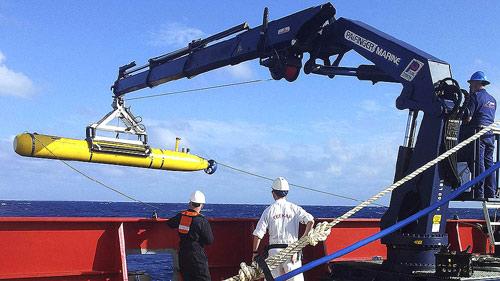MH370 vẫn đang nằm nguyên vẹn dưới đáy biển?-3