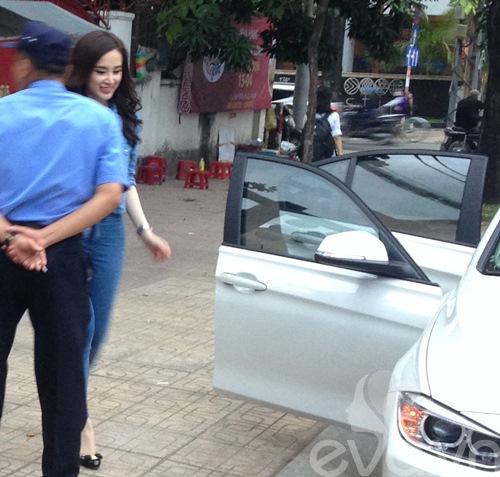 angela phuong trinh mac kin dao lai xe 3 ty - 12