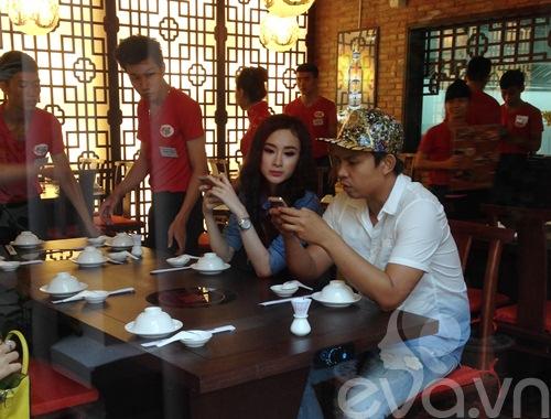 angela phuong trinh mac kin dao lai xe 3 ty - 6