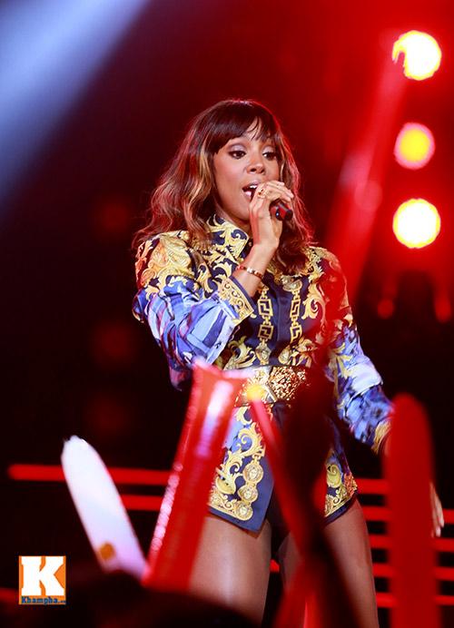"""Kelly Rowland """"đốt cháy"""" H-Artistry lần 6-3"""