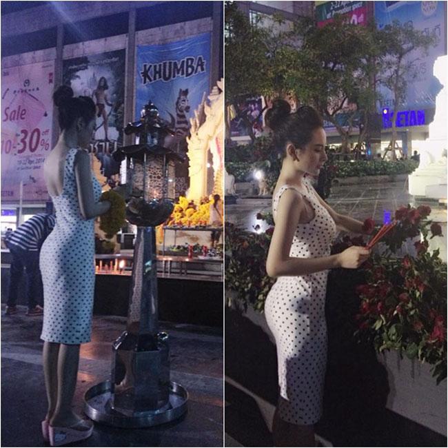 Mới đây, Angela Phương Trinh bị cộng mạng chỉ trích gay gắt khi ăn mặt mát khoe, khoe vòng 3 cong cớn khi đến thăm một ngôi chùa tại Thái Lan.