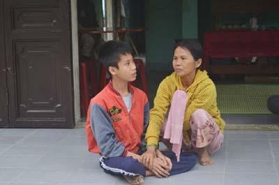 xot thuong canh vo chong gia nuoi sau con bi tam than - 2