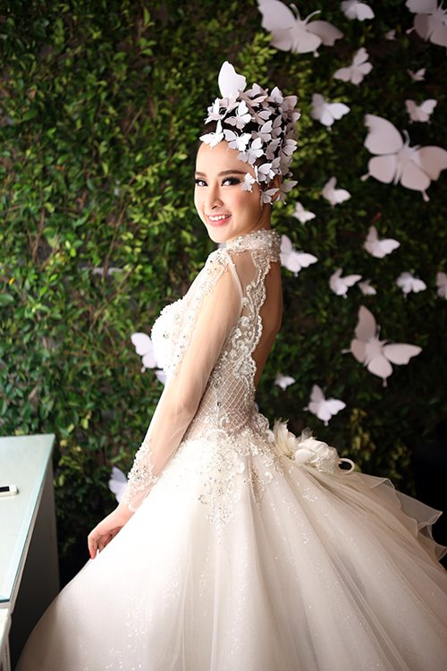 angela phuong trinh rang ro dien vay cuoi 200 trieu - 4