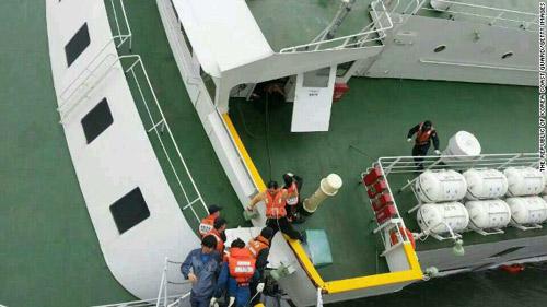 Toàn cảnh vụ chìm phà thảm khốc ở Hàn Quốc - 8