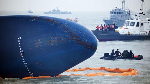 Toàn cảnh vụ chìm phà thảm khốc ở Hàn Quốc - 7