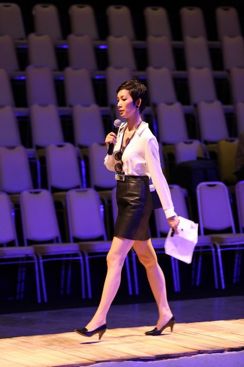 lo anh le thuy tap show do manh cuong - 10