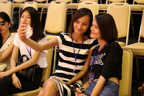lo anh le thuy tap show do manh cuong - 2