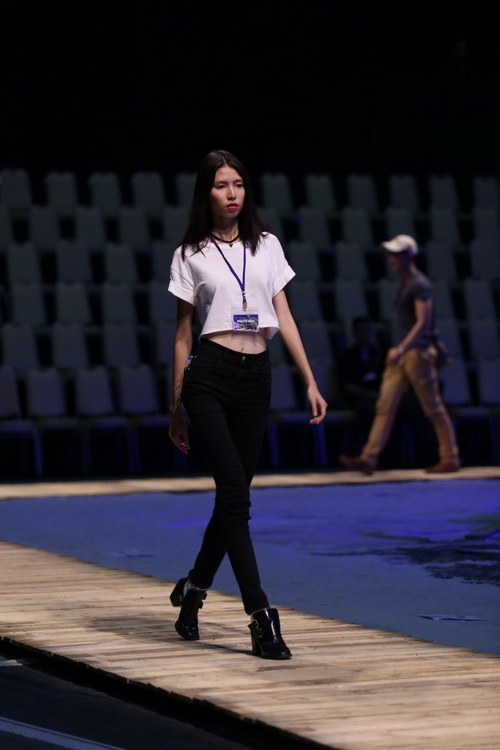 lo anh le thuy tap show do manh cuong - 13