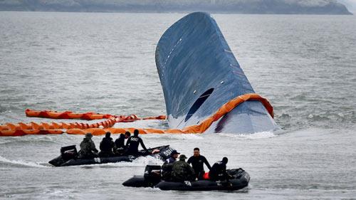 Đã có 49 người chết trong vụ chìm phà Hàn Quốc - 1