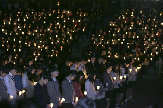 Vụ chìm phà Hàn Quốc: Số người chết tăng lên 58 - 4
