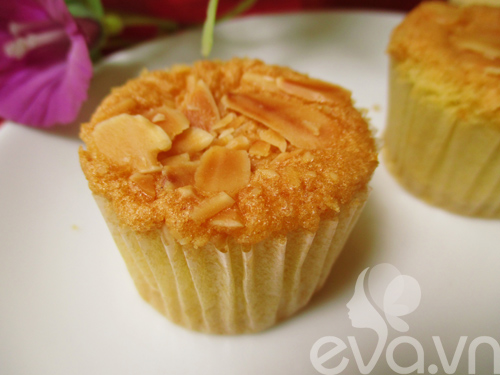 cupcake hanh nhan vani thom ngon - 10