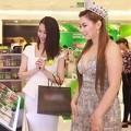 """Làng sao - HH Thái Lan """"thừa cân"""" bên Dương Thùy Linh"""