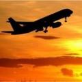 Tin tức - Thiếu niên Mỹ sống sót sau 5 giờ 'bám bánh' máy bay
