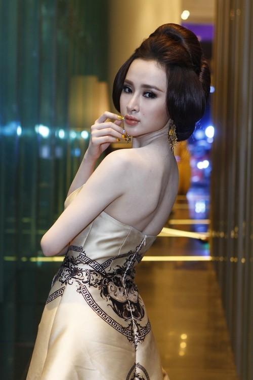 """angela phuong trinh """"quyen luc"""" voi vay hoa tiet hai ba trung - 6"""