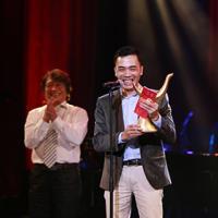 Tùng Dương, Đỗ Bảo nhận cú đúp giải Cống hiến